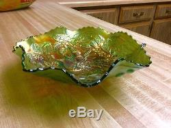 Fenton Carnival Glass Peacock And Urn Ruffled Bowl In Green