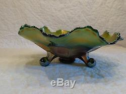 Vintage Fenton Green Carnival Glass Horses Head Medallion Three Footed Bowl